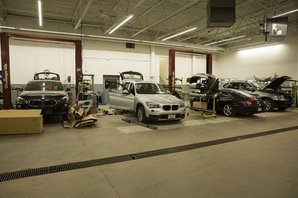 Local Body Shops >> Body Shops Near Milwaukee International Autos Collision Center